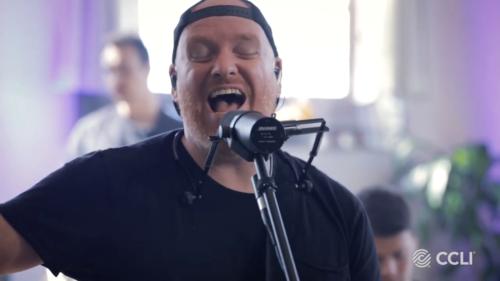 Glory To Glory / Stephen McWhirter of Iron Bell Music