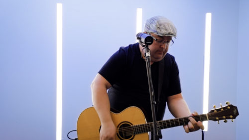 Jason Squires singing Join The Echo at CCLI